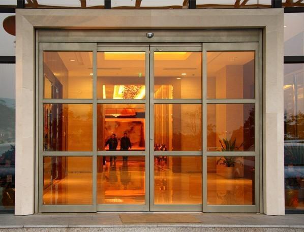 自动感应玻璃门